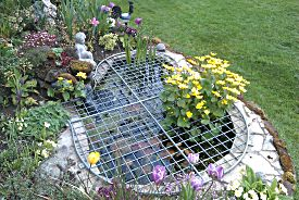 Metal mesh garden pond covers uk wide delivery for Garden pond grills